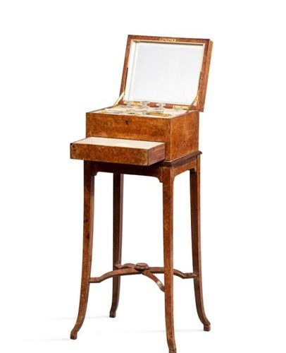 KIRBY BEARD & Co Ld  Rectangular manicure and toiletry set in burr veneer restin…