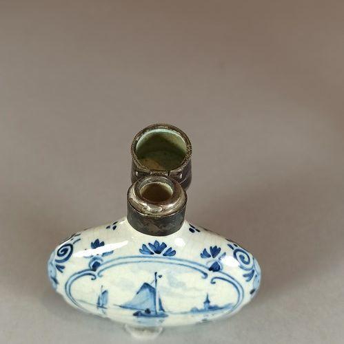 Small delft earthenware salt bottle.  Height: 6.3 cm