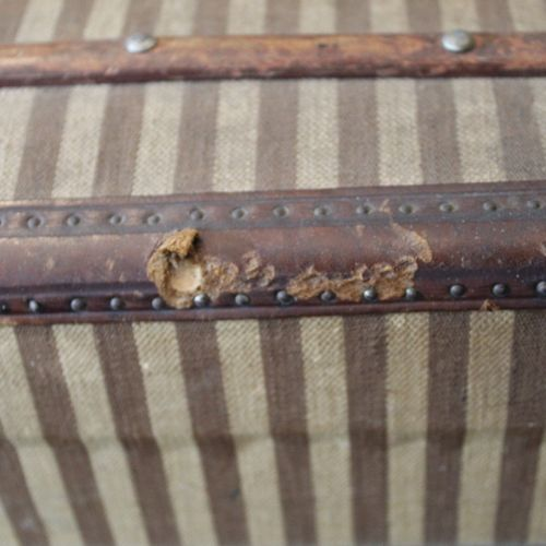 Doll's travel trunk, wooden case covered with striped fabric, leather side handl…