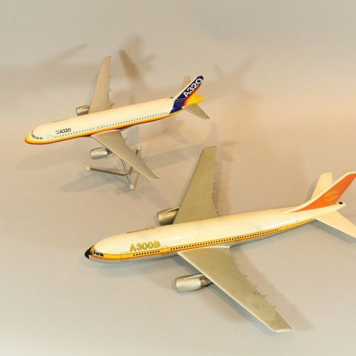AEROSPATIALE AIRBUS  Model of the A320 aircraft in the colours of Airbus Industr…