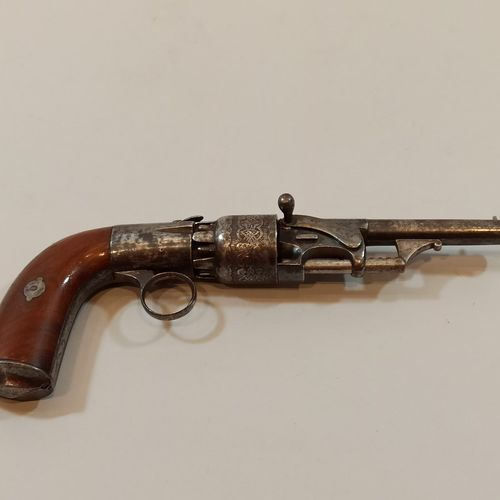 Rare percussion revolver. Of the pepperbox type cal. 32. Curious rack and pinion…