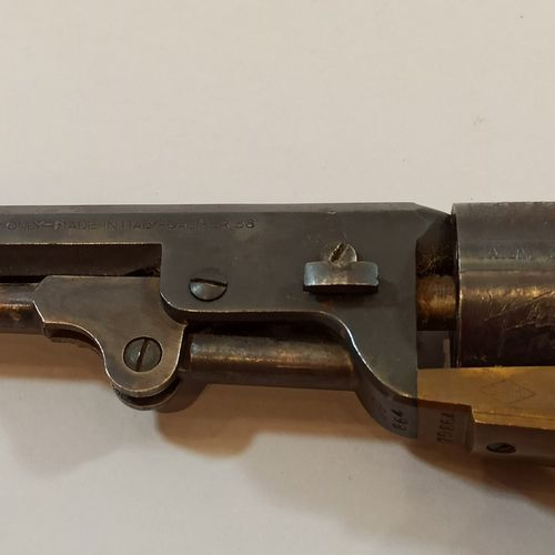 Black powder revolver CAL 38 Model Colt NAVY 1851.  Bronze frame and engraved cy…