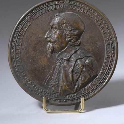 Bronze medal with brown patina and slight traces of gilding, Charles de l'Aubépi…