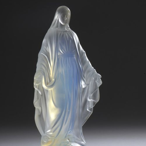 ETLING  Saint Mary.  Proof in pressed white crystal slightly opalescent (tiny ch…
