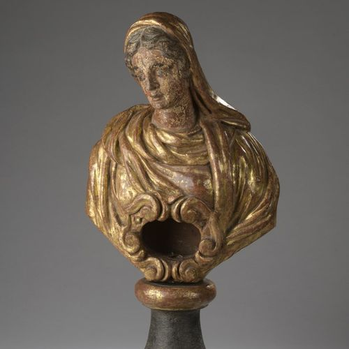 Reliquary bust of a holy woman in carved, polychromed and gilded wood; relic nic…
