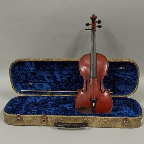 Violon de Jacques BARBE, fait au début du XIXe siècle  Marque au fer «J. BARBE P…