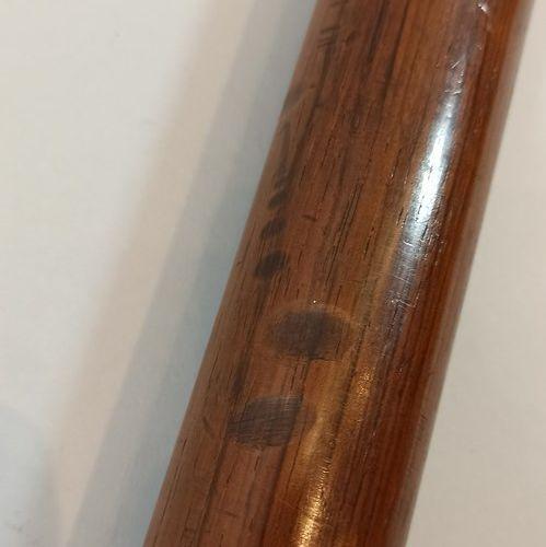 Lot:   Matraque anglaise plombée, manche laiton.  Long.: 28 cm   Matraque anglai…