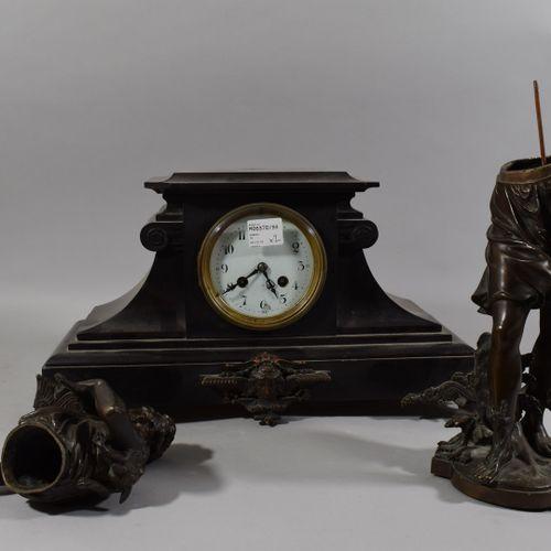 MOREAU Auguste (1834 1917)  Pendule borne en marbre noir surmontée d'un chasseur…
