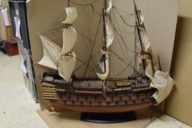Maquette de voilier Victory 1805, travail moderne