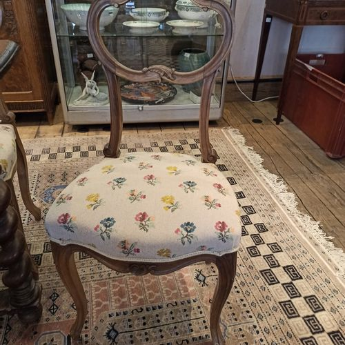 Trois chaises de chambre