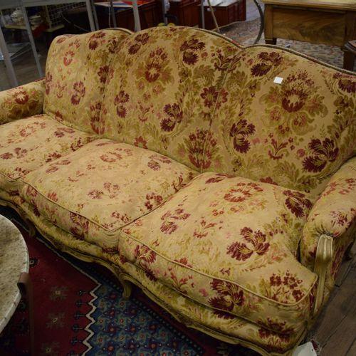 Canapé 3 places et deux chauffeuses style Louis XV
