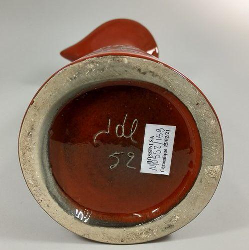 LESPINASSE Jean de (1896 1979)  Grand pichet orange à décor de troubadour.  Terr…