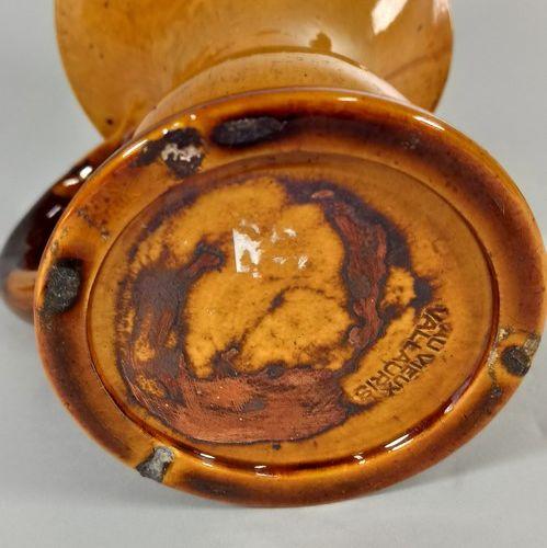 VIEUX VALLAURIS Au  Pichet.  Terre de Vallauris, marque au tampon sous la pièce.…
