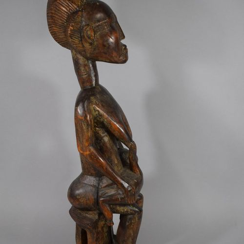 Maternité BAOULE, Côte d'Ivoire  Sculpture tardive à l'usage des sociétés coloni…