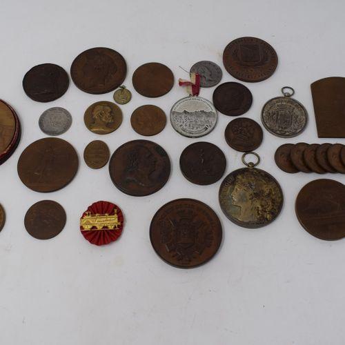 Fort lot de médailles en bronze comprenant notamment :  Daniel DUPUIS : Expositi…