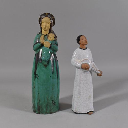 Lot de deux personnages en céramique:   Statuette mère et enfant H: 31 cm   Jeun…