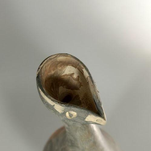 AGARD Jules (1905 1986)  Vase sculpture d'oiseau.  Terre de Vallauris, signature…