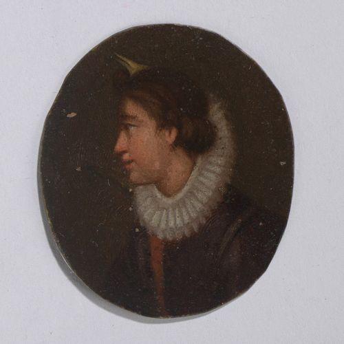 法国学校 17世纪前三期  一个戴围脖的女人的轮廓画像。  金属上的油彩,椭圆形(左上角有小的缺失)。  高:5,6厘米 宽:5厘米