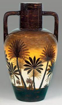 MONT CHEVALIER Poterie du (1879 1920)  Très grand vase à deux anses à décor de p…