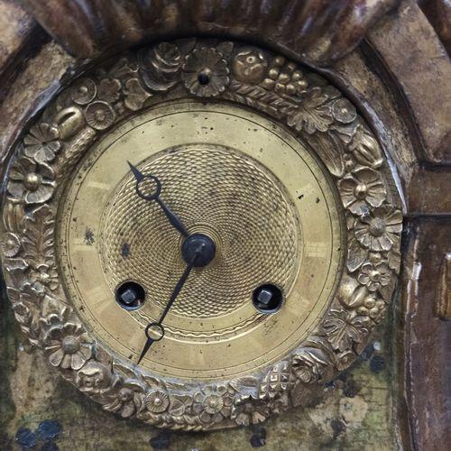 Pendule caisse en bois en vernis Martin à décor polychrome de fleurs et à décor …