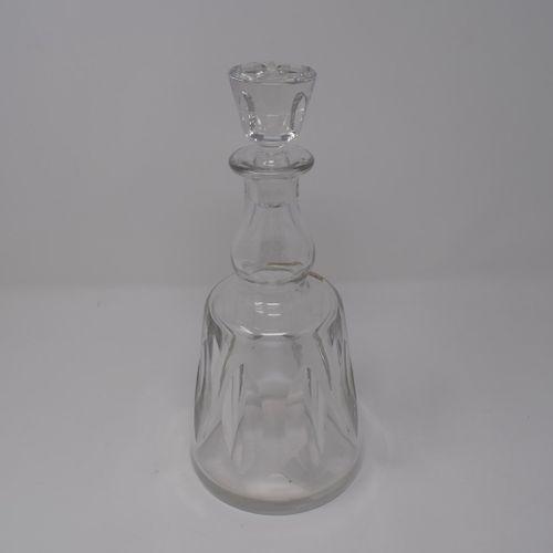 """Carafe en cristal, modèle """" Jersey """", marque à la base, Cristal St Louis France …"""
