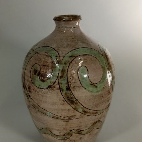 BOISSAUD Max (XXe siècle)  Pied de lampe à décor stylisé.  Terre de Vallauris, s…