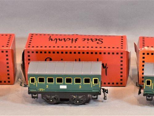 HACHETTE Série HORNBY  Locomotive et voitures de voyageurs et de marchandises, é…