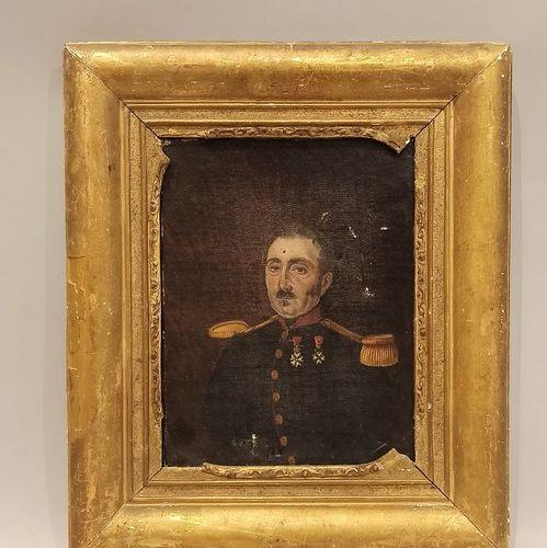 19世纪的法国学校。  佩戴荣誉军团勋章的军官画像  布面油画  24 x 19 cm  事故    附上一张纸质照片,经强化后装裱在面板上,署名Ch. Vir…