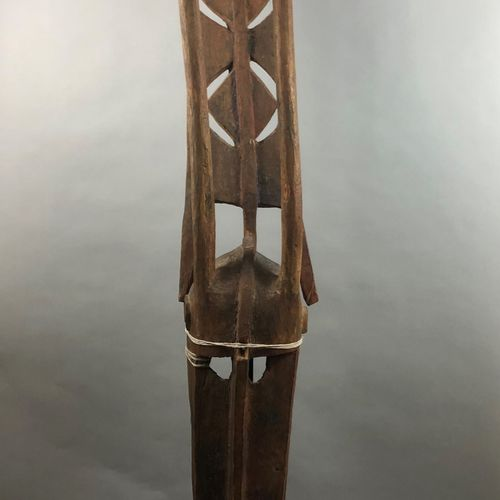 MALI, Bambara ou Dogon,  Grand masque  H. 191 cm.