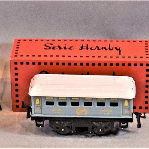 """HACHETTE HORNBY系列  机车和客车,比例为 """"O""""。     B型 """"S.N.C.F """"电力机车   一等舱卧铺车厢   一等客运车   二等客运…"""