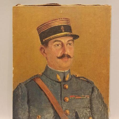 "H.兰达斯  ""穿着地平线蓝色制服的指挥官画像  画布上的油画,底部有签名,日期为1922年。  55x46厘米。    附有一幅表现第32团中尉的布面油画。5…"