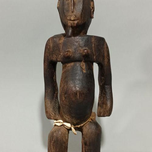 Statuette BAMANA, Mali  Belle statue à la patine suintante, quelques érosions an…