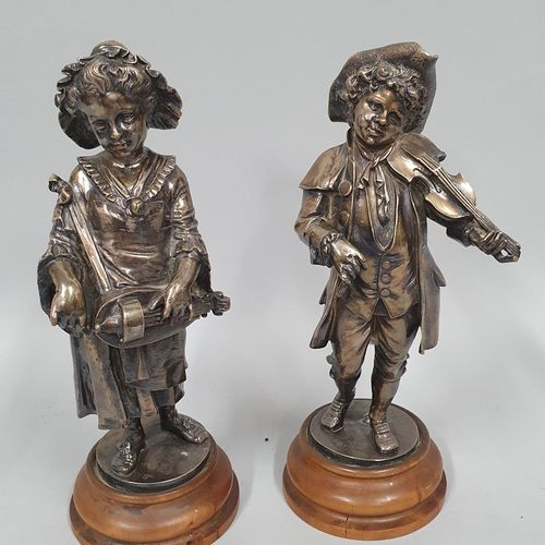 LALOUETTE (1826 1883)  Joueuse de vielle et joueur de violon  Bronze à patine ar…