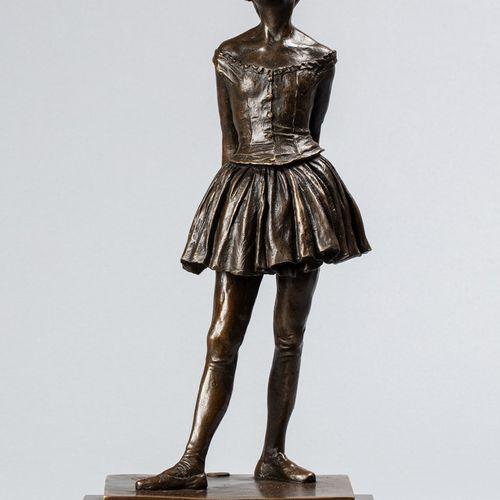 DEGAS Edgar, d'après  La petite danseuse  bronze à patine brune sur socle en pie…