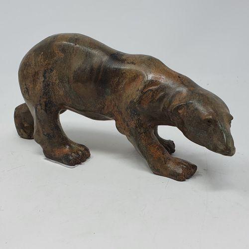 CHENET Pierre (XXe siècle)  Ours  bronze à patine brun roux nuancée, cachet du f…