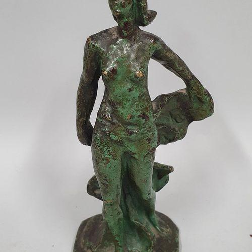 BAZZONI Alberto, d'après  Femme au voile  Bronze à patine verte nuancée, fonte d…