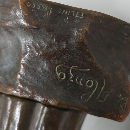 ALONZO Dominique (act.1910 1930)  L'Angelus  bronze à patines brune, argenté et …