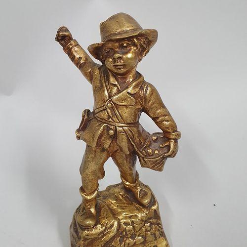 FLAMAND Georges, d'après  le grenadier  Bronze à patine dorée, fonte d'édition m…
