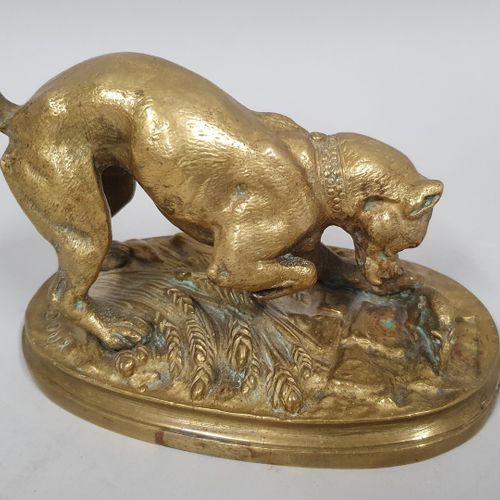 TRODOUX Henri Emile Adrien (XIX)  Bouledogue et rat  Bronze à patine doré, sur l…