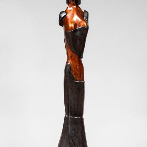 TULLIO Anita, 1935 2014  La déesse  important bronze à patines brune et noire, n…