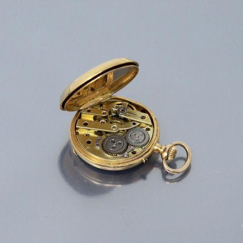 Montre de col en or jaune 18k (750), poinçon tête de cheval, index chiffres roma…