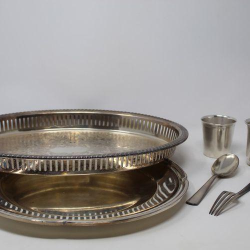 Lot of silverware including :   a child's cutlery (spoon + fork) by Ravinet d'En…