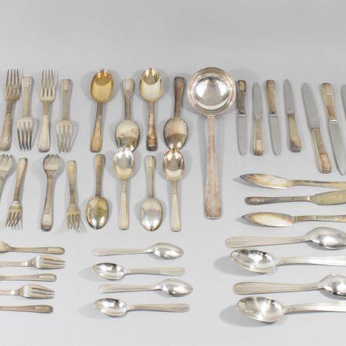 Georg JENSEN (1866 1935)  Silver service set including :   4 dessert knives   5 …