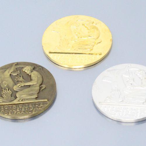 Trois médailles de table en bronze électricté de France et gaz de France d'ap. H…