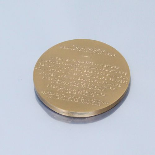Médaille de table en bronze  Avers : buste de Jean Louis 1899 1974, sg. : R Coch…