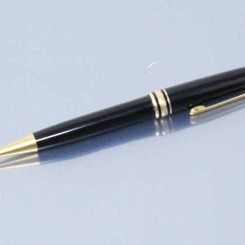 蒙特布朗  黑色漆面的Biros。  签名的MONTBLANC模型Meisterstuck