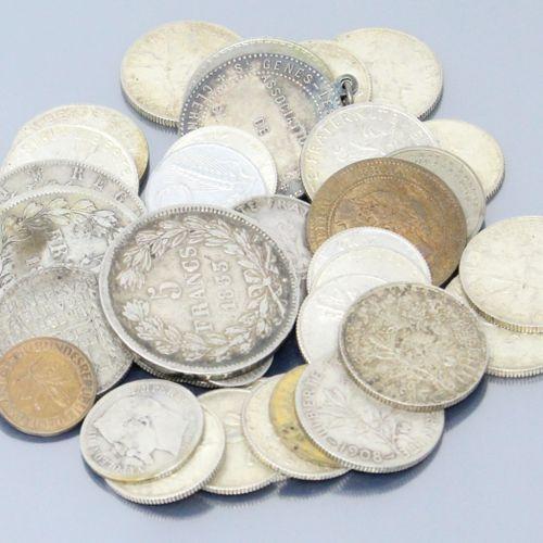 Lot de pièces en argent française et étrangères principalement XXe.  Poids : 263…