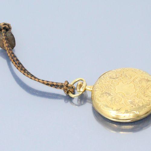 LONGINES  Montre de gousset en or jaune 18k (750). Cadran à fond blanc aux chiff…