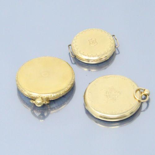 Lot de trois montres de gousset en or jaune 18k (750).  Cadrans à fonds émaillés…