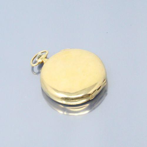 LIP  Montre de gousset en or jaune 18K (750). Cadran émaillé à fond blanc aux ch…